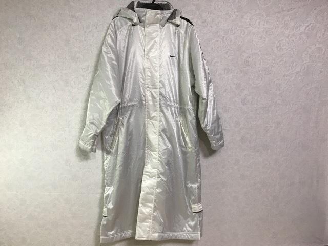NIKE(ナイキ)のコート