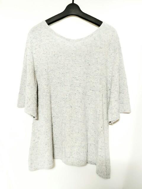 three dots(スリードッツ)のセーター