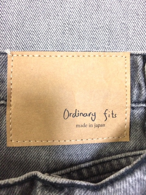 Ordinary fits(オーディナリーフィッツ)のジーンズ