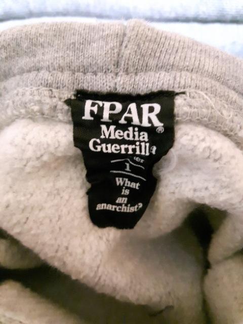 FPAR Media Guerrilla(フォーティーパーセント)のパーカー