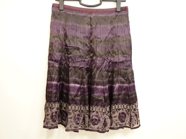 ARTISAN(アルチザン)のスカート