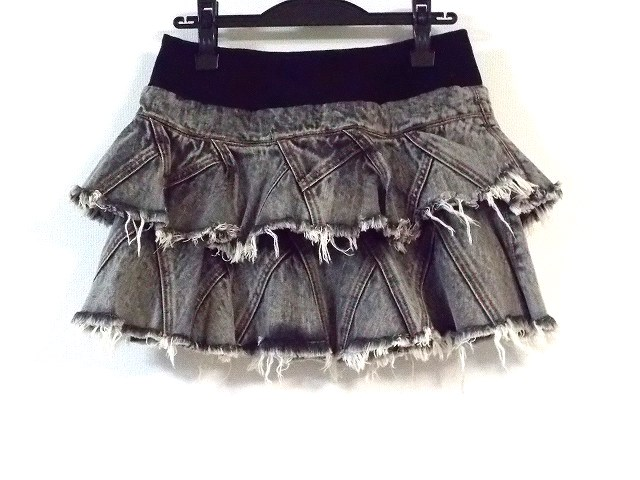 Snarl extra(スナールエクストラ)のスカート