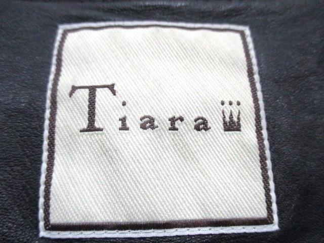 Tiara(ティアラ)のブルゾン
