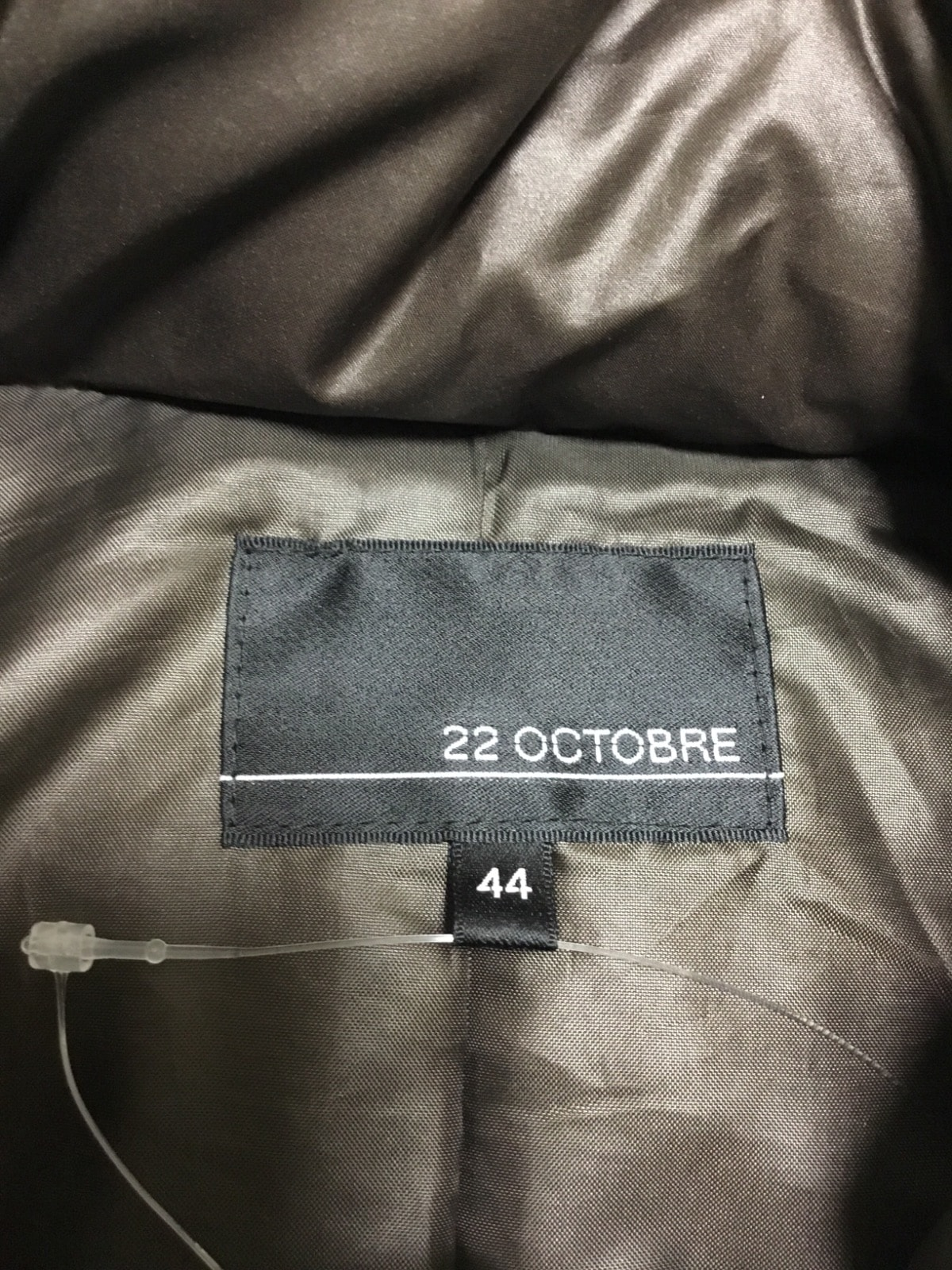 22OCTOBRE(ヴァンドゥ オクトーブル)のダウンコート