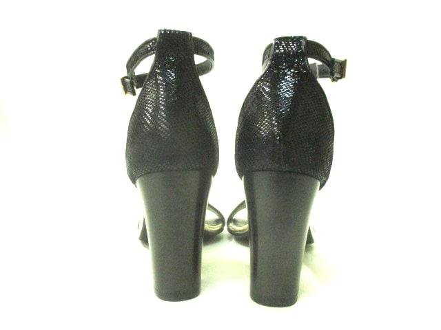heel and toe(ヒールアンドトゥ)のサンダル