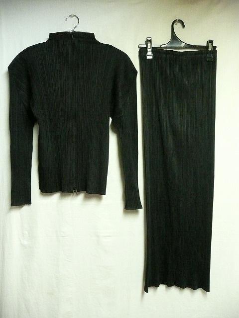 PLEATS PLEASE(プリーツプリーズ)のスカートスーツ