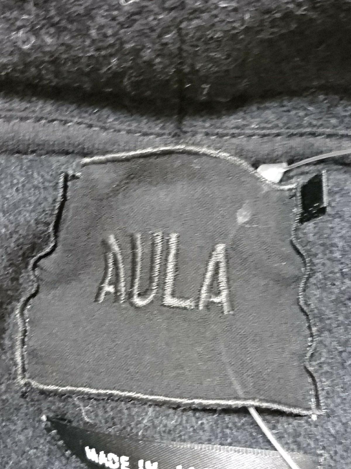 AULA(アウラ)のコート