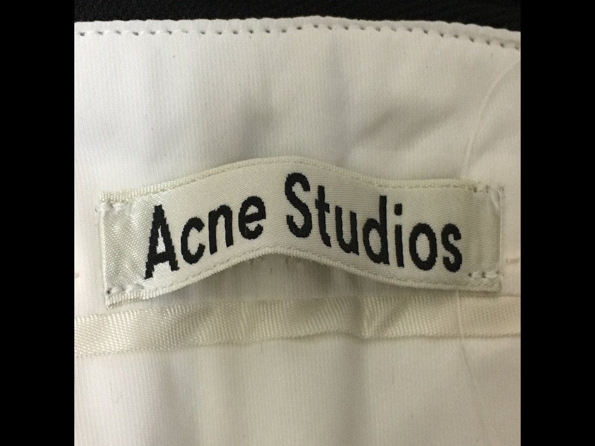 ACNE STUDIOS(アクネ ストゥディオズ)のスカート