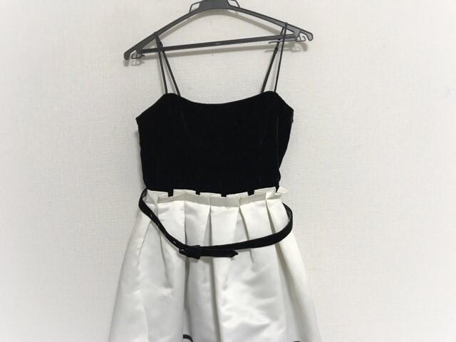 dee45ff2d44e5 ベッツィージョンソン ドレス サイズ6 M レディース 黒×白 プリーツ ...