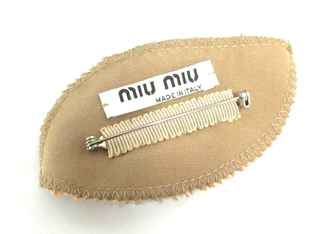 miumiu(ミュウミュウ)のブローチ