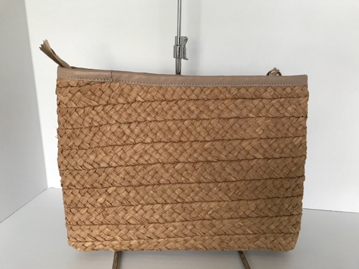 HELEN KAMINSKI(ヘレンカミンスキー)のクラッチバッグ
