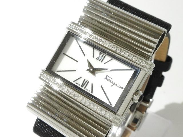 SalvatoreFerragamo(サルバトーレフェラガモ)の腕時計 シェルホワイト