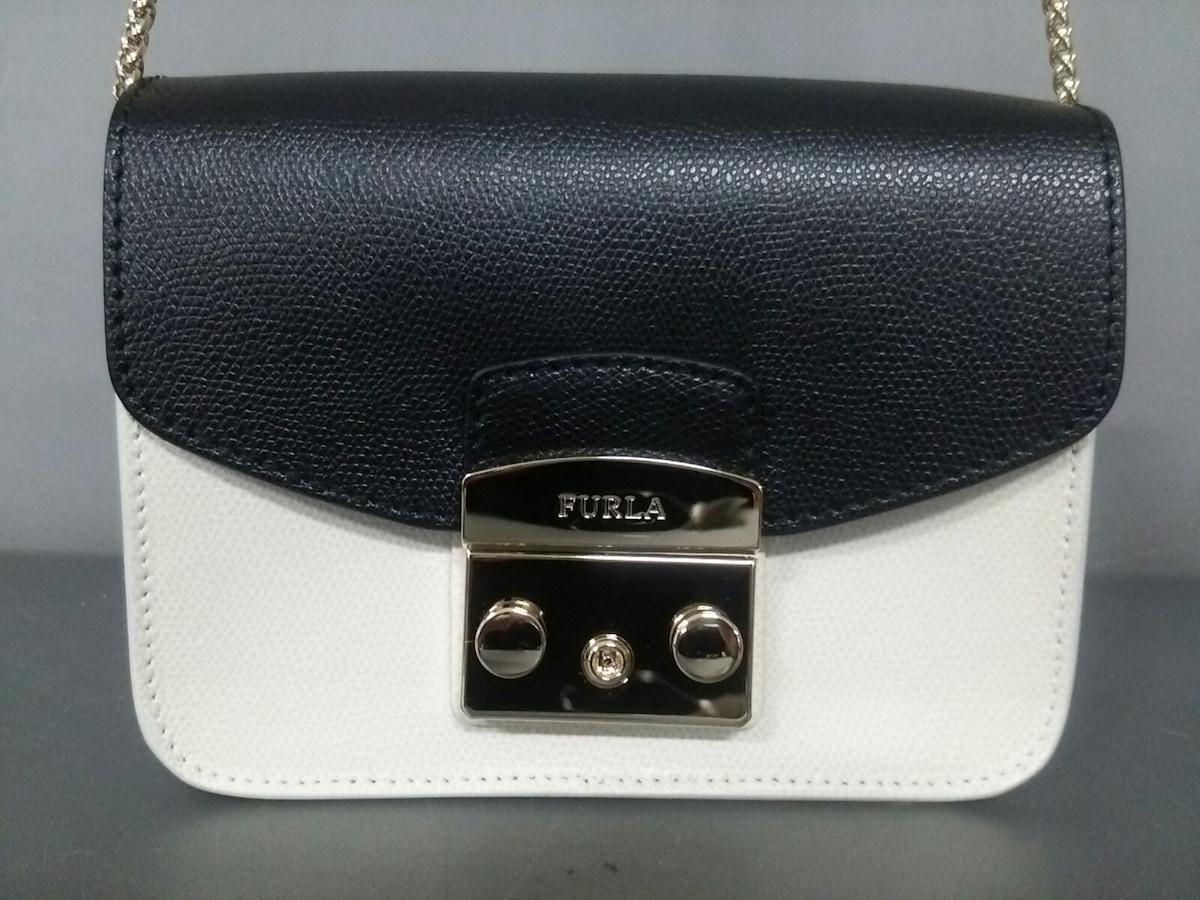 7438d0c59621 FURLA(フルラ) ショルダーバッグ美品 メトロポリス 白×黒 レザー ...