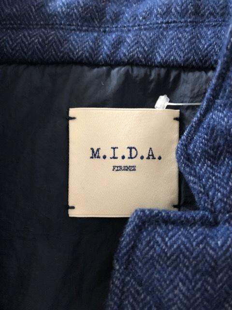 M.I.D.A.(ミダ)のダウンベスト