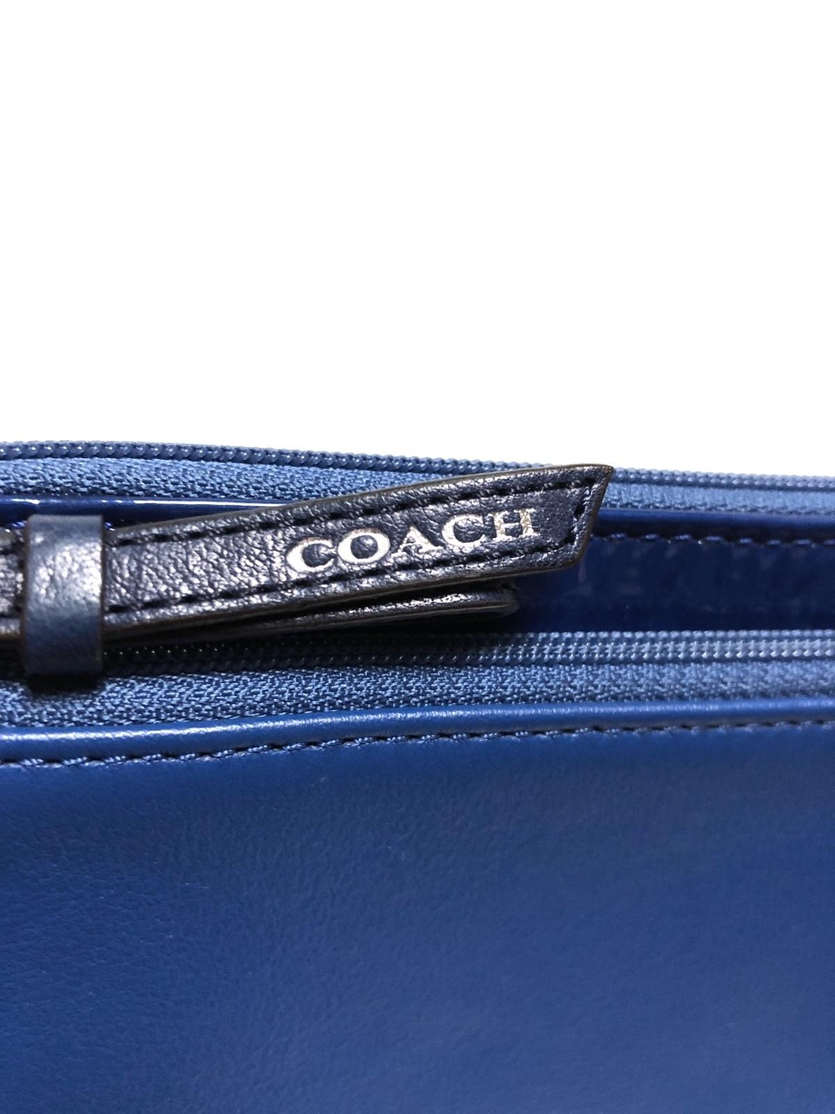 8bb6da28942d COACH(コーチ) 財布美品 - ダークネイビー ストラップ付き(12542941 ...