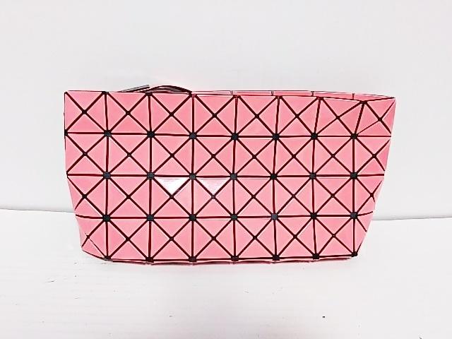 BAOBAO ISSEYMIYAKE(バオバオイッセイミヤケ)のクラッチバッグ ピンク