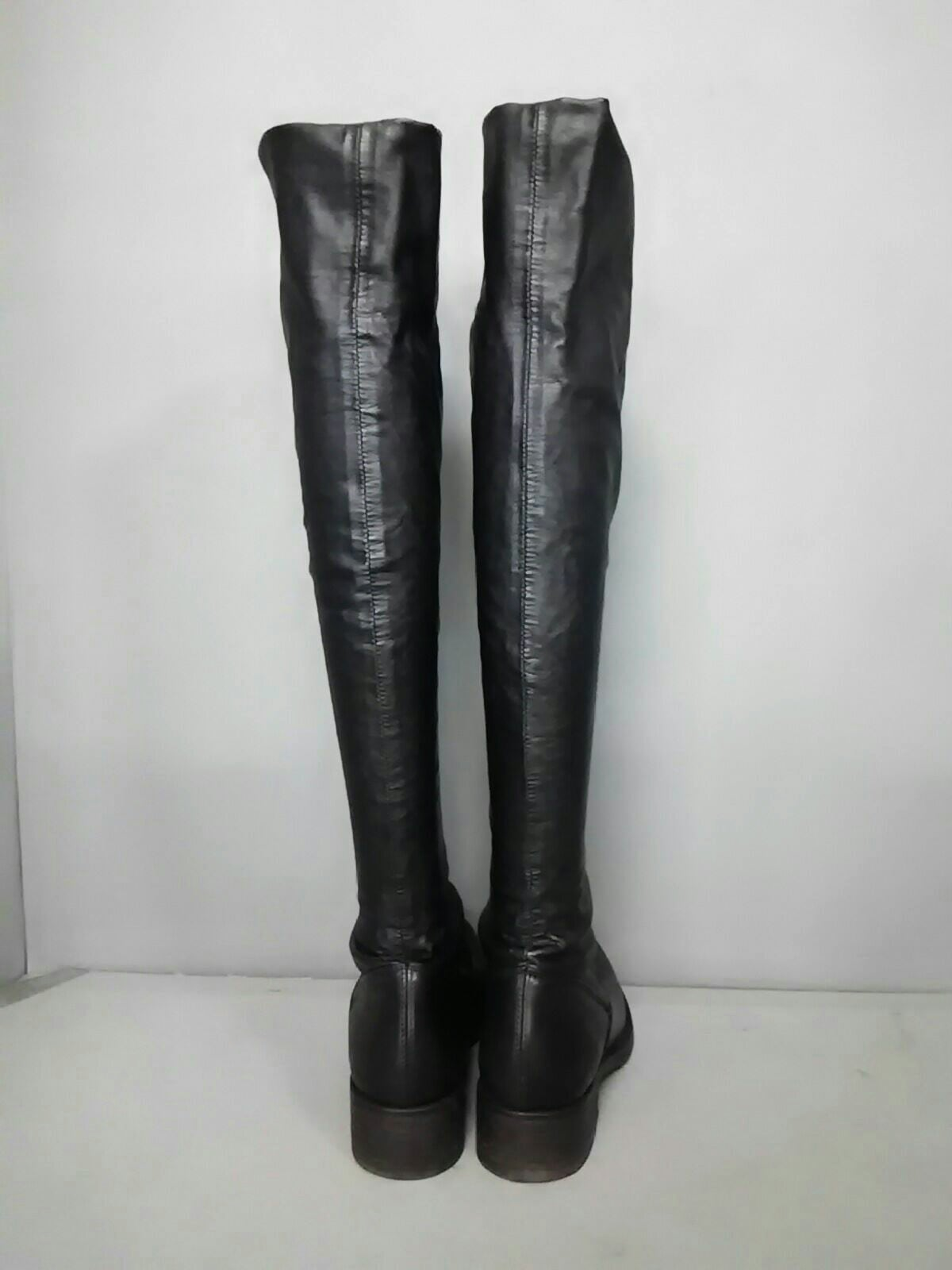 ELENA IACHI(エレナイアチ)のブーツ