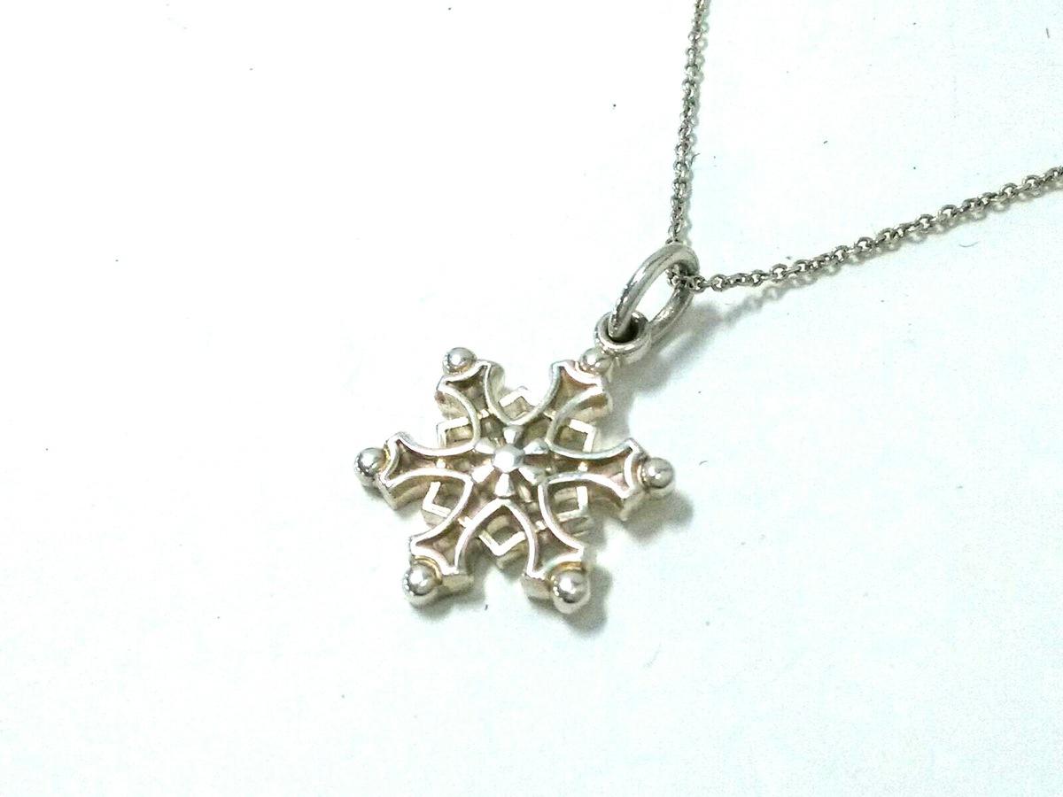 online retailer a8c25 75b90 TIFFANY&Co.(ティファニー) ネックレス美品 - シルバー 雪の結晶