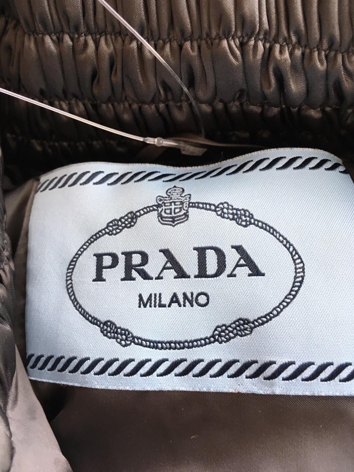 PRADA(プラダ)のダウンコート