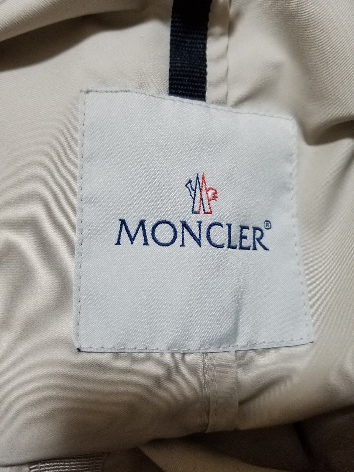 MONCLER(モンクレール)のCYPRIENNE