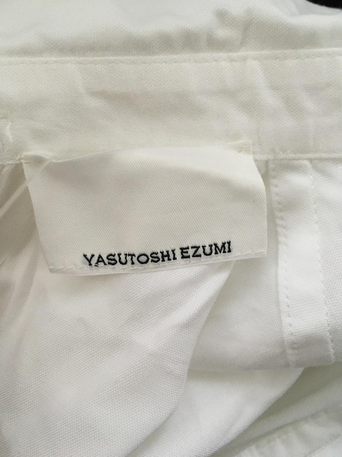Yasutoshi Ezumi(ヤストシ エズミ)のシャツブラウス