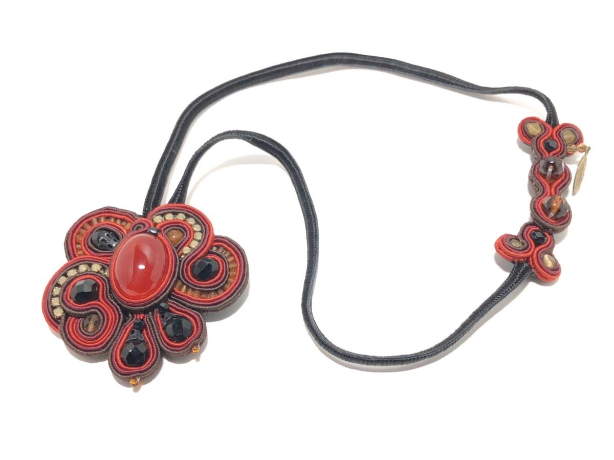 Dori Csengeri(ドリチャングリ)のネックレス