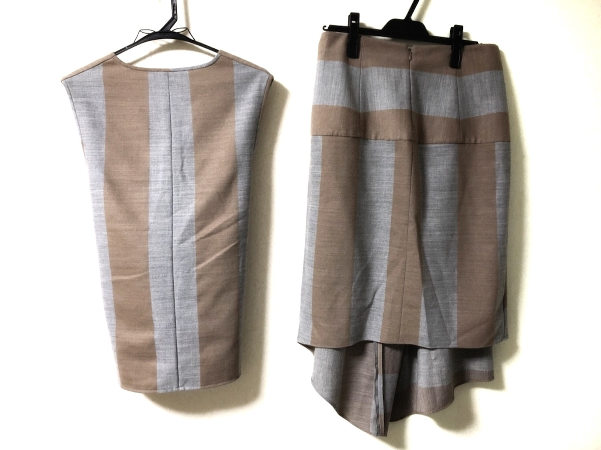 tibi(ティビ)のスカートセットアップ
