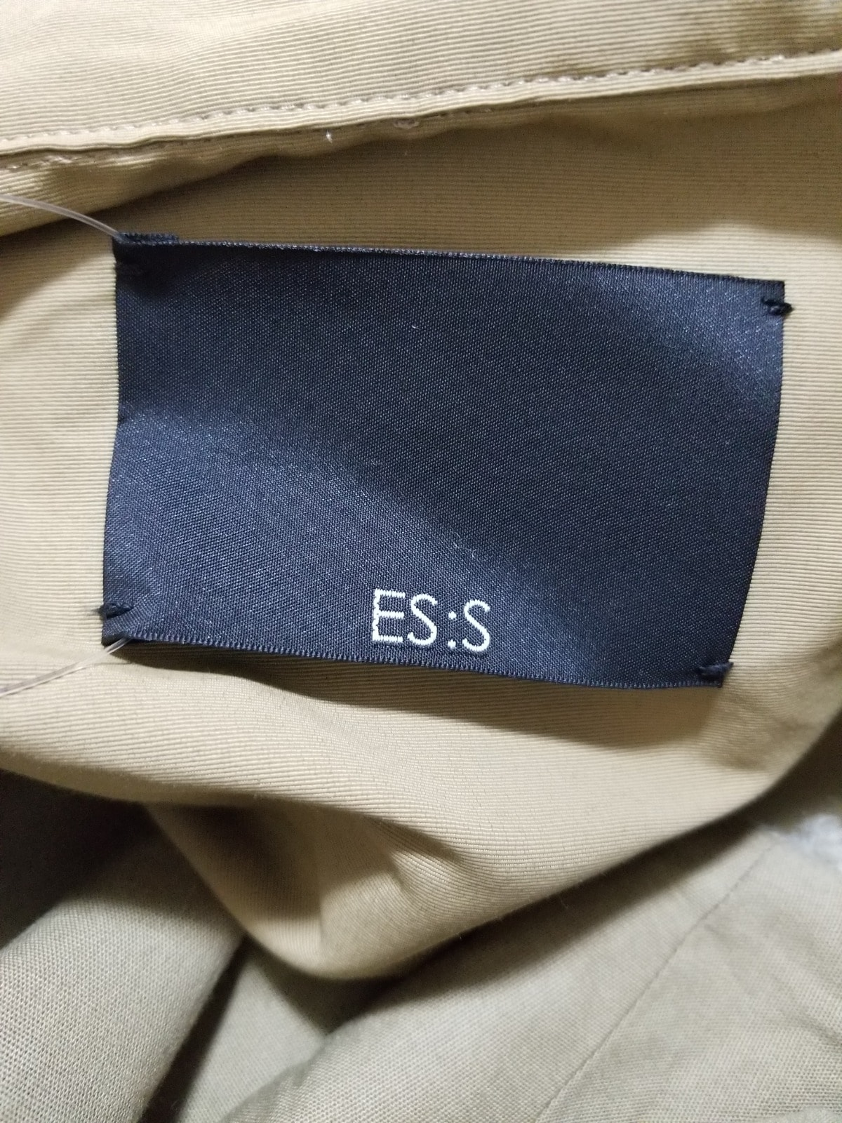 ES:S(エス)のコート