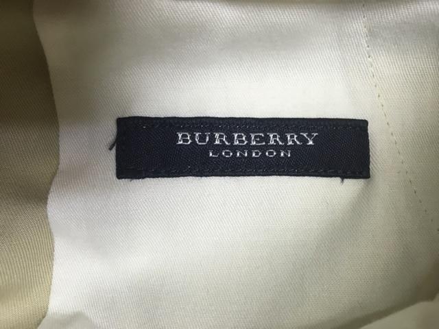 Burberry LONDON(バーバリーロンドン)のパンツ