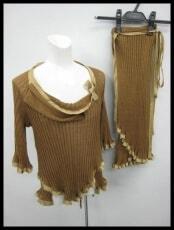 ANGELO FERRETTI(フェレッティ)のスカートスーツ