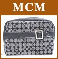 MCM(エムシーエム)のポーチ