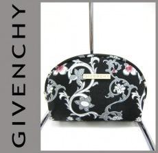 GIVENCHY(ジバンシー)のポーチ