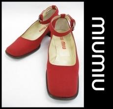 miumiu(ミュウミュウ)のシューズ