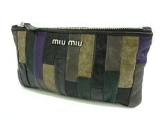 miumiu(ミュウミュウ)のポーチ