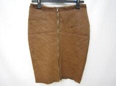TILT(ティルト)のスカート