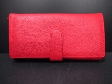 momoDESIGN(モモデザイン)の長財布