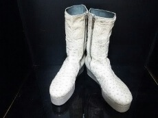 Revillon(レビオン)のブーツ