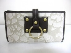 Puntotres(プントトレス)の長財布