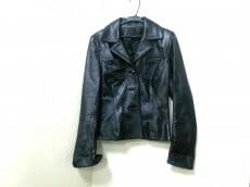 JITROIS(ジトロワ)のジャケット