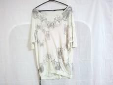 KMRii(ケムリ)のTシャツ