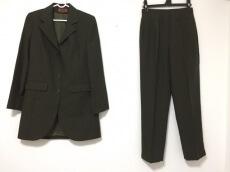 RENATO NUCCI(レナトヌッチ)のレディースパンツスーツ
