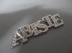 ABISTE(アビステ)のブローチ