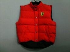 Ferrari(フェラーリ)のダウンベスト