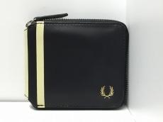 FRED PERRY(フレッドペリー)の2つ折り財布