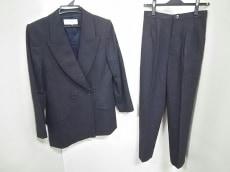 YvesSaintLaurent(イヴサンローラン)のレディースパンツスーツ