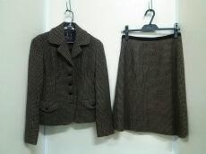 2eCLASSE(ドゥーズィエムクラス)のスカートスーツ