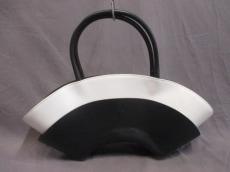 ISSEYMIYAKE(イッセイミヤケ)のショルダーバッグ