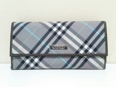 Burberry Blue Label(バーバリーブルーレーベル)の長財布