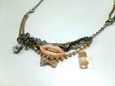 guri guri(グリグリ)のネックレス