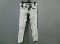 d.i.a.(ダイア)のジーンズ